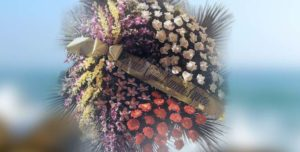 Obelisco Cordioli - Composizioni floreali: CORONA Codice ART-N169