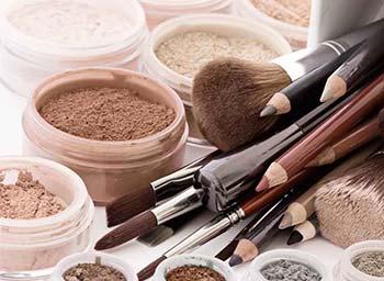 Per il servizio di tanatoestetica usiamo cosmetici speciali provenienti dalla Francia